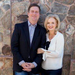 LADIES LEADERSHIP CIRCLE Former Phoenix Mayor Greg Stanton and Managing Partner with Quarles and Brady Nicole Stanton