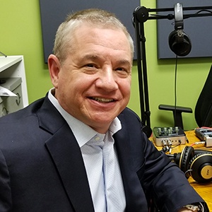 Jeffrey Wolf of Quarles & Brady discussing the franchise industry on Valley Business RadioX in Phoenix, AZ