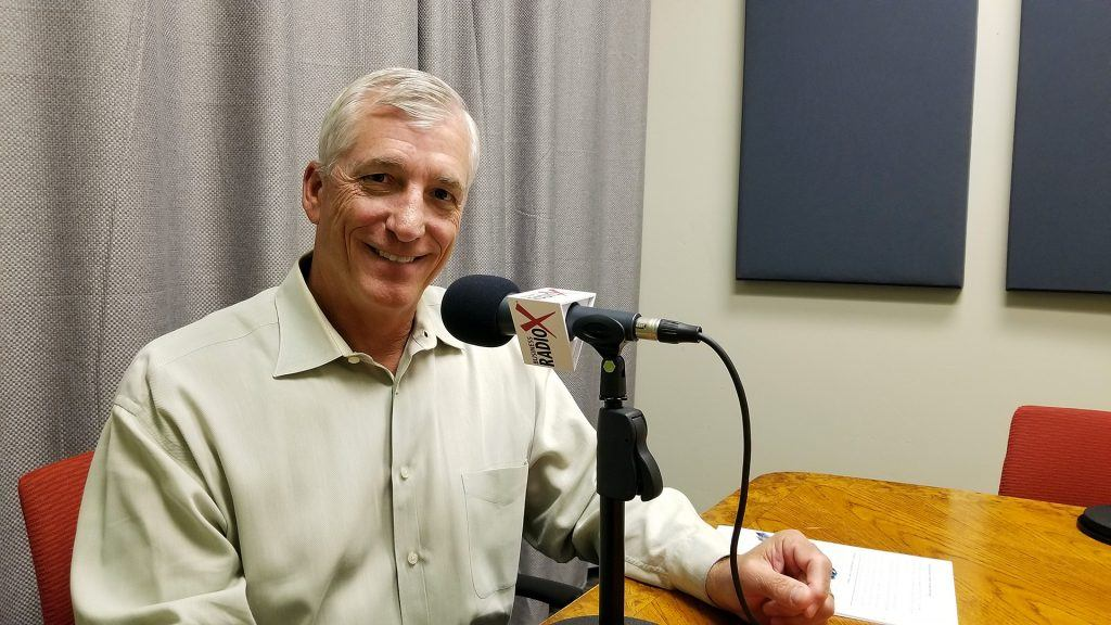 Scott Hanson with The Arizona 100 speaking on Valley Business RadioX in Phoenix, Arizona